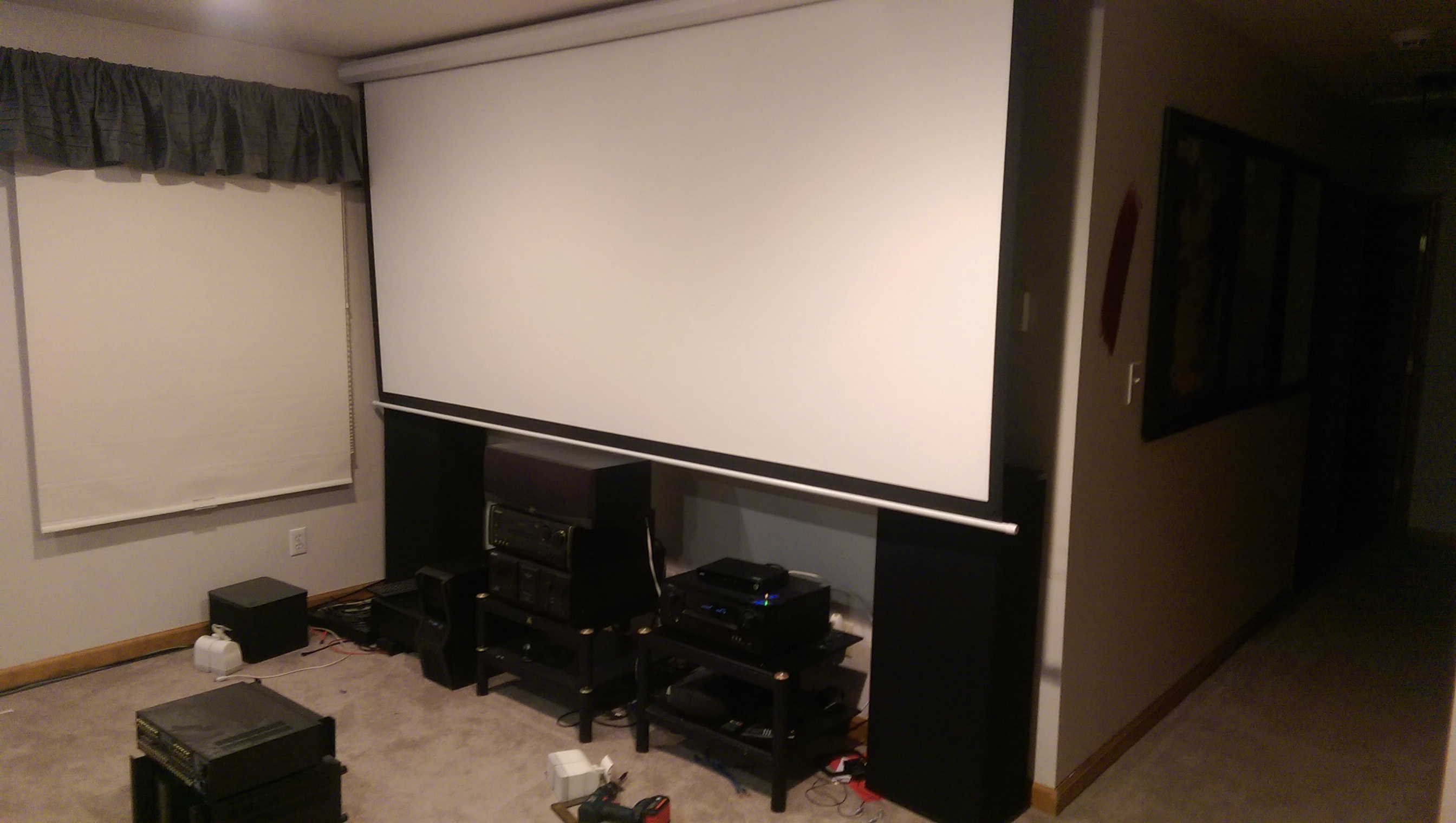 how to build a projector screen frame